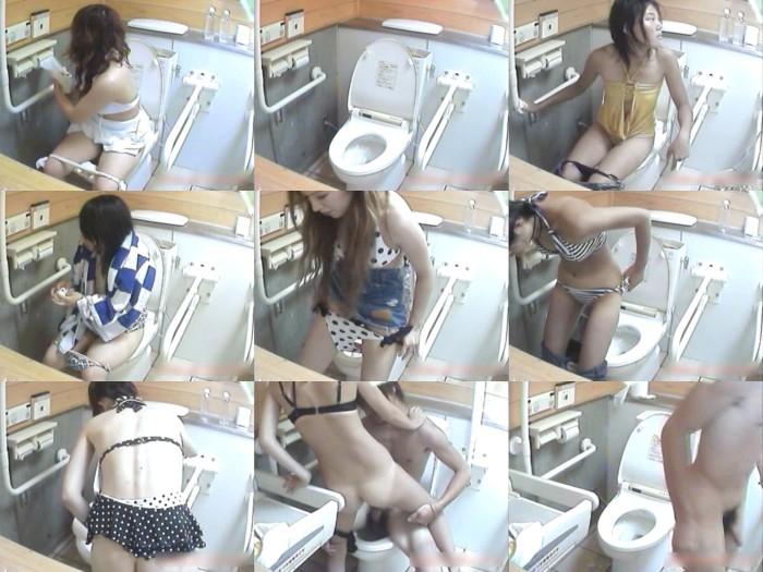 密撮!!夏の海岸洋式個室トイレVol.1-5
