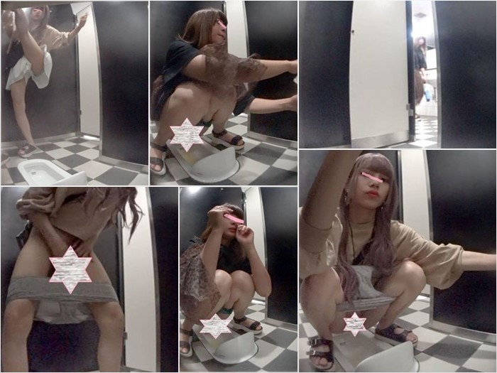 神〇の高級デパート和式トイレ芸〇人レベル以上の美女登場!全力鼻ほじギャルも撮れました